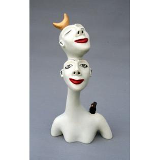 Mujer con dos cabezas, pájaro y luna